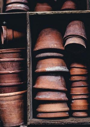 Kräuterturm aus Töpfen